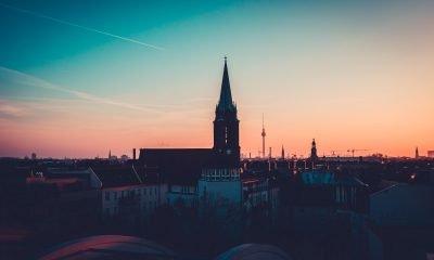 Berliner Skyline im Sonnenuntergang