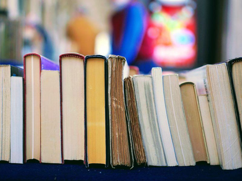 Nahaufname von gebrauchten Büchern