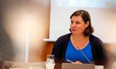 Das Foto zeigt Antje Kapek, während sie redet.