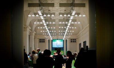 Auf dem Bild ist der Saal zu sehen, in dem der Hatun-Sürücü-Preis 2018 verliehen wurde.