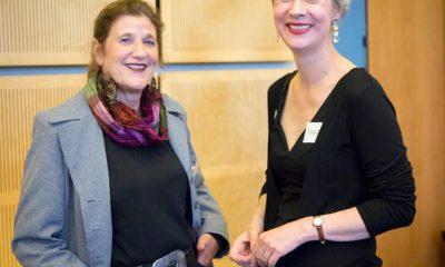 Auf dem Bild ist Susanna Kahlefeld mit einer anderen Frau zu sehen.