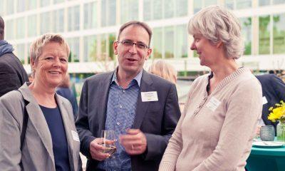 Auf dem Bild sind Sabine Bangert und zwei andere Personen zu sehen.