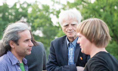 Auf dem Bild sind Turgut Altug, Hans-Christian Ströbele und Katrin Schmidberger zu sehen.