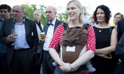 Auf dem Bild sind zwei Männer und Nina Stahr und Bettina Jarasch zu sehen.