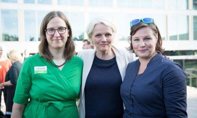 Auf dem Bild sind Silke Gebel und Antje Kapek mit Regine Günther zu sehen.