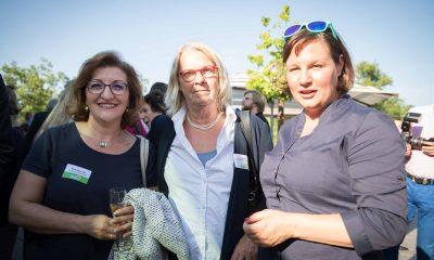 Auf dem Bild sind Fatos Topac, Antje Kapek und eine andere Frau zu sehen.