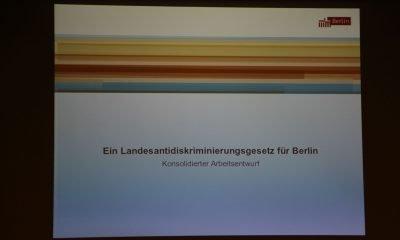 Auf dem Bild ist der Eröffnungsfolie eines Vortrags zum Landesdiskriminierungsgesetzes zu sehen.