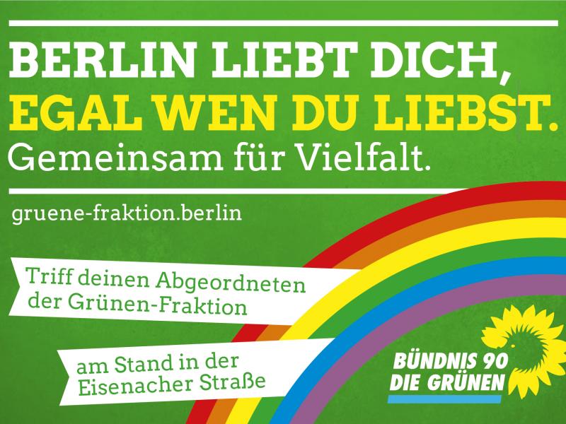 Anzeige mit grünem Hintergrund zum Motzstraßenfest mit der Aufschrift: Berlin liebt dich, egal wen du liebst. Gemeinsam für Vielfalt.
