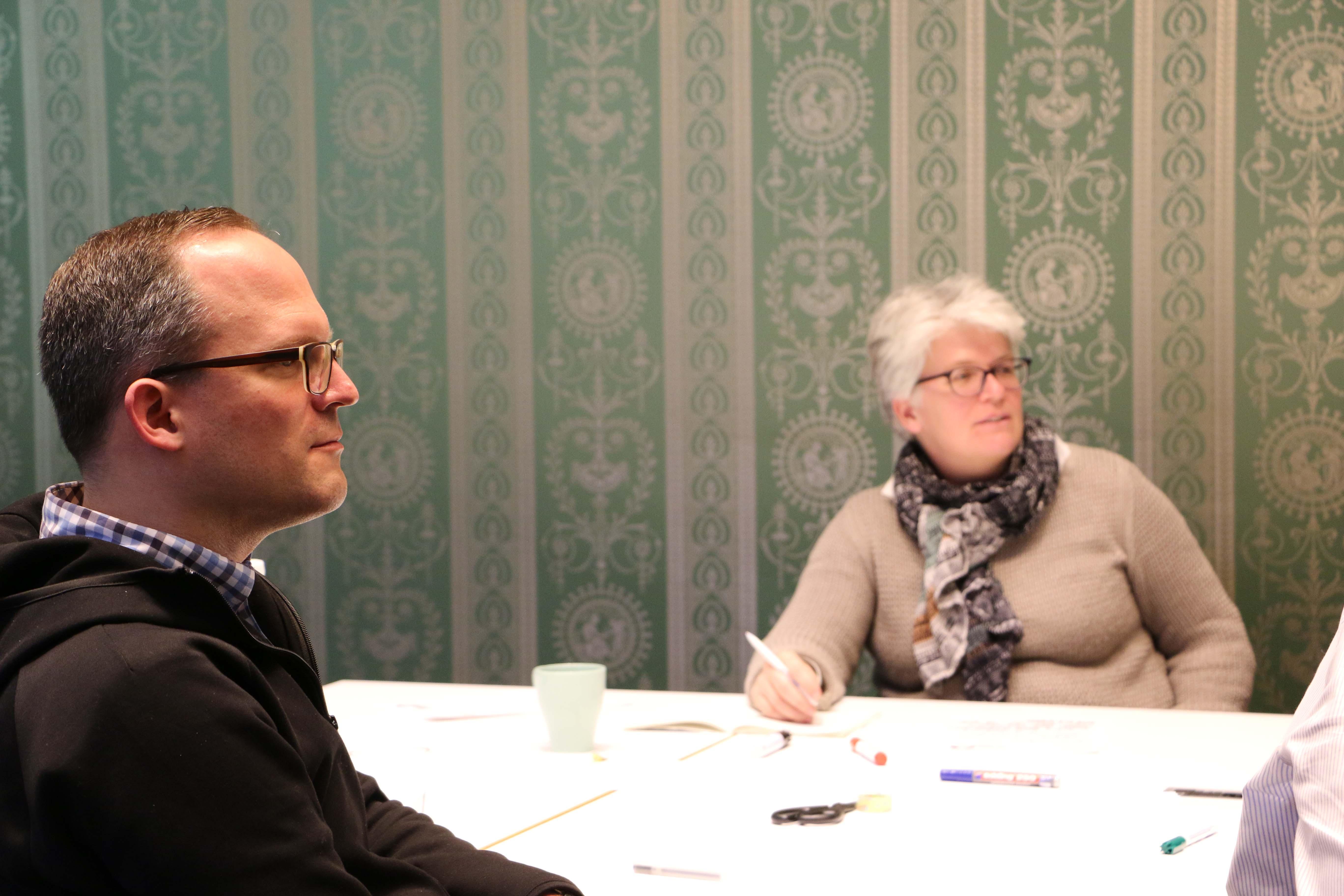 Sebastian Walter und Stefanie Remlinger tauschen sich aus und stimmen sich gemeinsam mit der Fraktion auf das Jahr 2019 ein