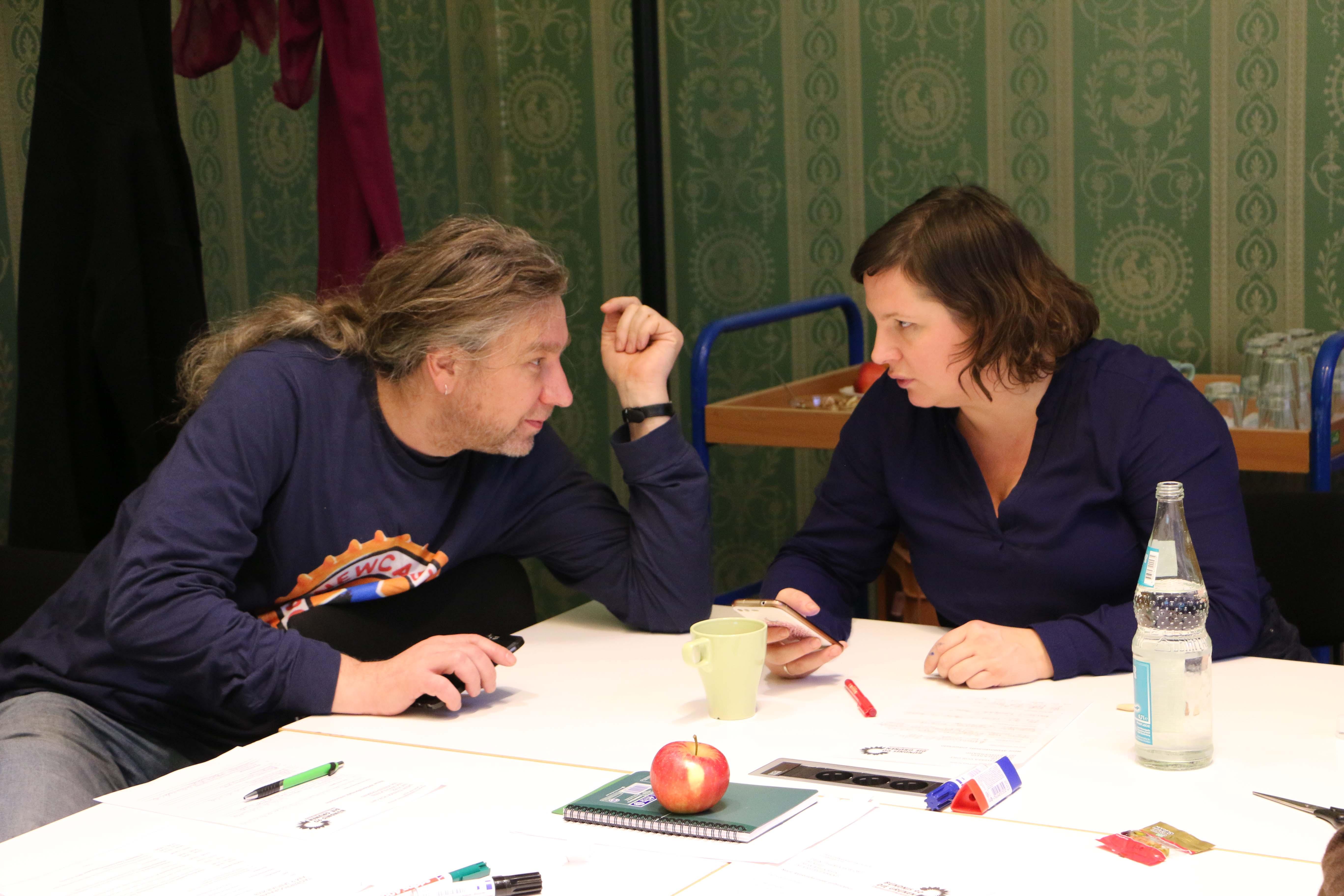 Antje Kapek und Stefan Taschner tauschen sich aus und stimmen sich gemeinsam mit der Fraktion auf das Jahr 2019 ein