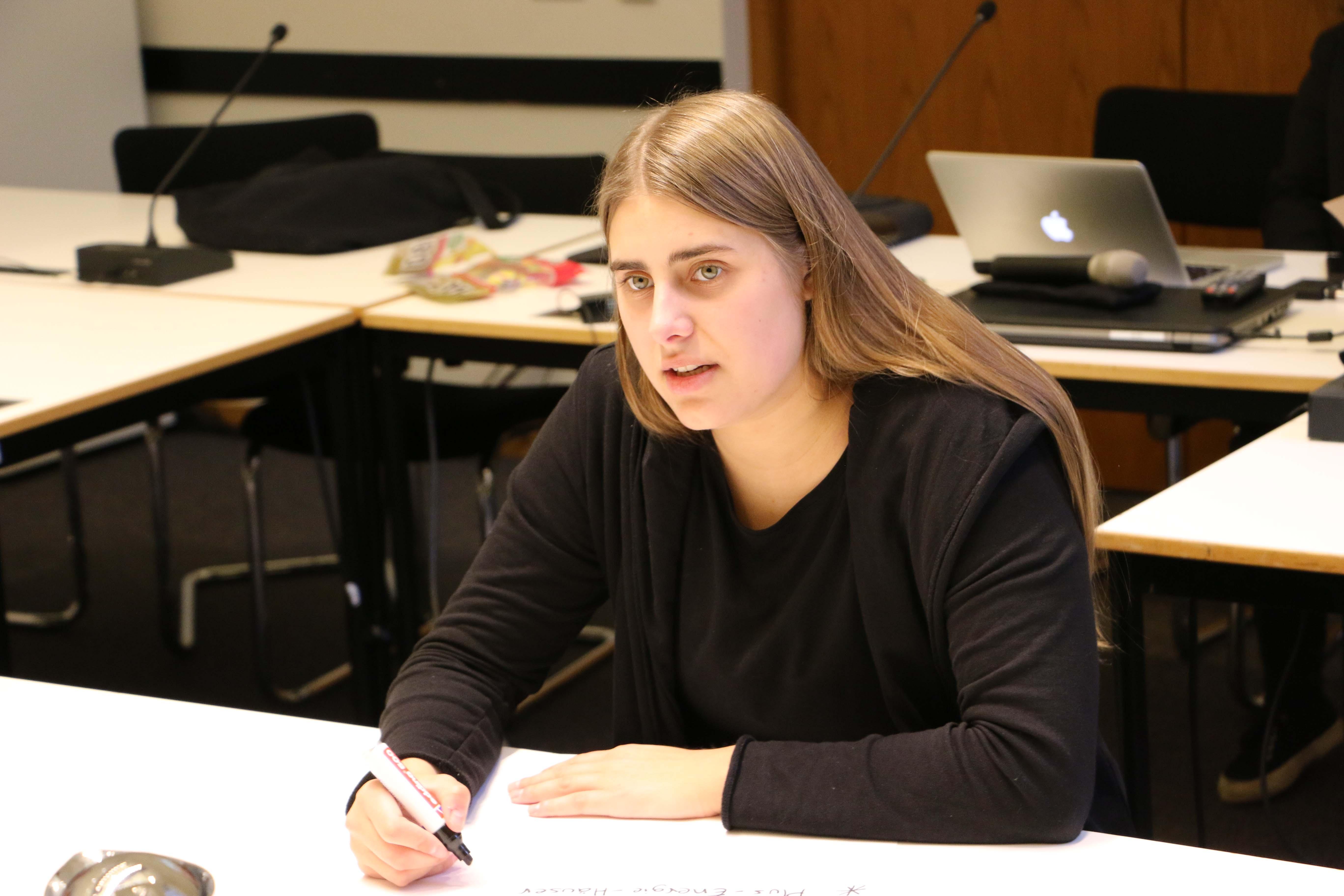 June Tomiak tauscht sich aus und stimmt sich gemeinsam mit der Fraktion auf das Jahr 2019 ein