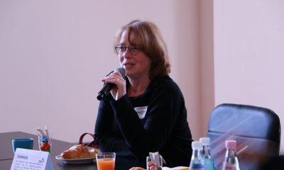 """Es ist Tabea Rößner zu sehen, die während des 2. Berlinale-Frühstücks über das Thema """"Paradigmenwechsel in der Medienlandschaft! Folgen und Entwicklungen für die Filmhauptstadt Berlin?"""" spricht."""