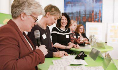 Stefanie Remlinger spricht auf dem Fachtag zur Arbeitsmarktintegration von Geflüchteten
