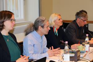 Dr. Turgut Altug spricht während des Naturschutzpolitischen Frühstücks