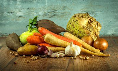 Es ist ein Haufen buntes Gemüse zu sehen