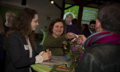 FraktionsmitarbeiterInnen begrüßen auf dem Fraktionsfrühjahrsempfang 2019 im Zentrum für Kunst und Urbanistik die Gäste