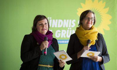 Antje Kapek und Silke Gebel halten auf dem Frühjahrsempfang der Fraktion eine Rede